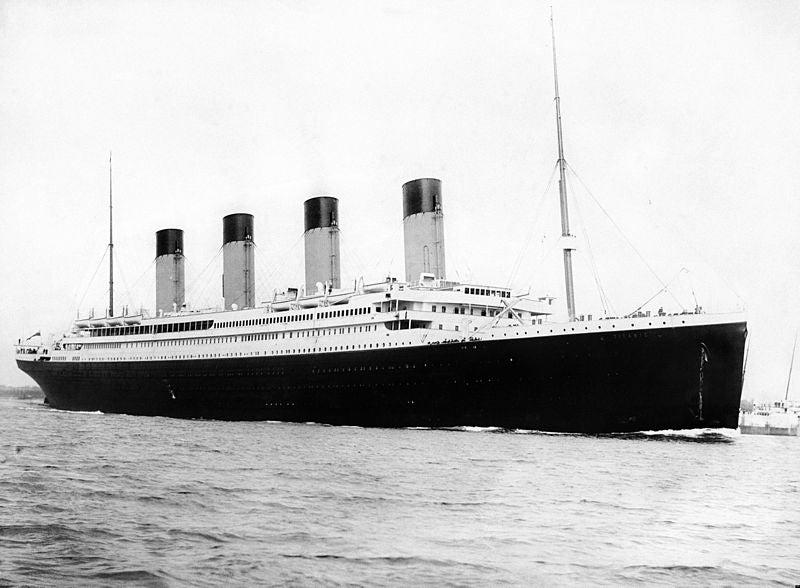 RMS Titanic ship original black and white