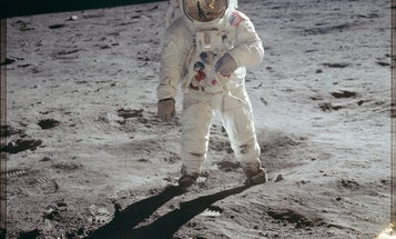 7 easy ways you can tell for yourself that the moon landing really happened