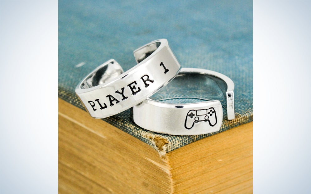a ring that says player 1
