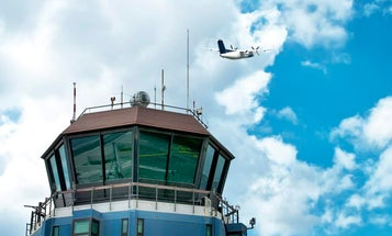 Air traffic controller training makes emergencies seem ordinary