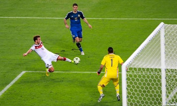The complex physics behind bending it like a World Cup player