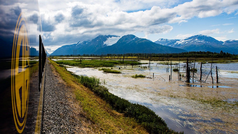 Train ride in Alaska by Stan Horaczek