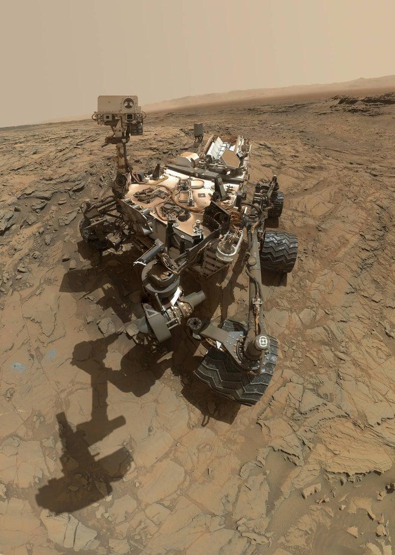 Curiosity Rover takes a self portrait