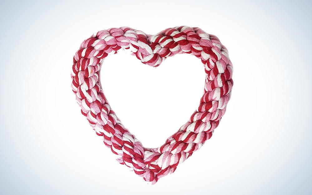 Heart-shaped rope chew toy