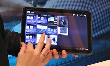 Motorola Xoom Tablet, With Its Tablet-Optimized Android Honeycomb OS, Looks Like a Contender