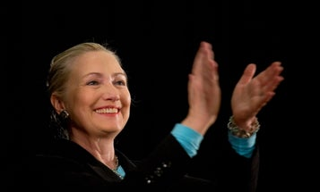 Just Seeing Hillary Clinton's Face Improves Women's Public Speaking