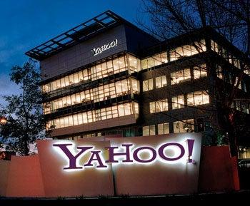 Microsoft Makes Bid to Buy Yahoo