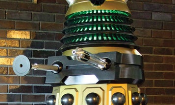 A Motorized, Super-Detailed Robot Villain Made By A Doctor Who Fan