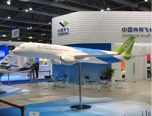 China Plans Commercial Jet, Challenger to Boeing and Airbus