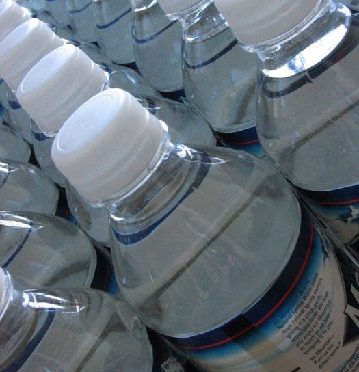With Artificial Photosynthesis, A Bottle of Water Could Produce Enough Energy To Power A House