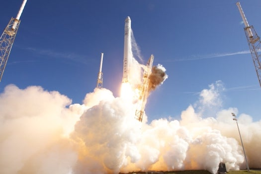 NASA Invests $1.1 Billion in Manned Commercial Trips to Space