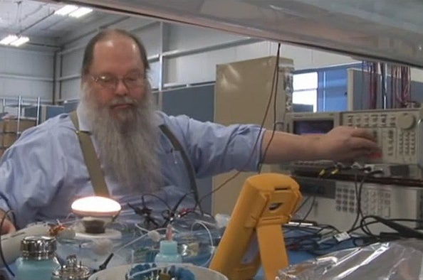 Newest Lightbulb Tech Combines Advantages of Incandescent, Fluorescent, and LED