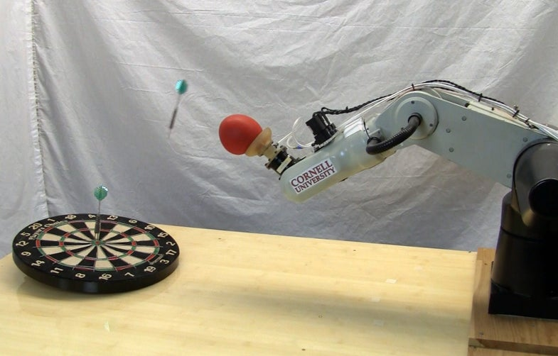 Video: Coffee-Filled Robot Paw Learns How to Throw
