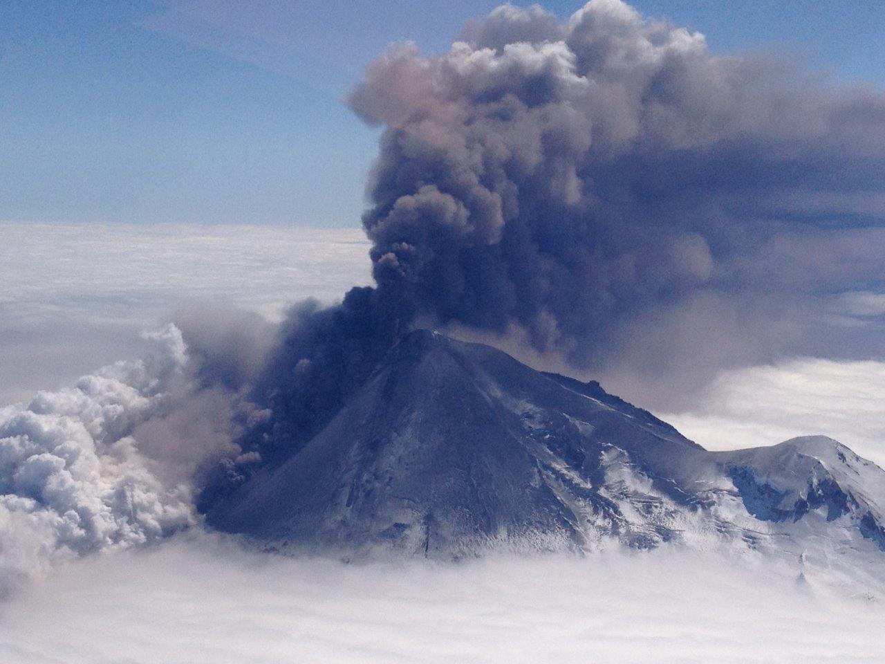 Volcanoes Go Quiet Just Before They Erupt