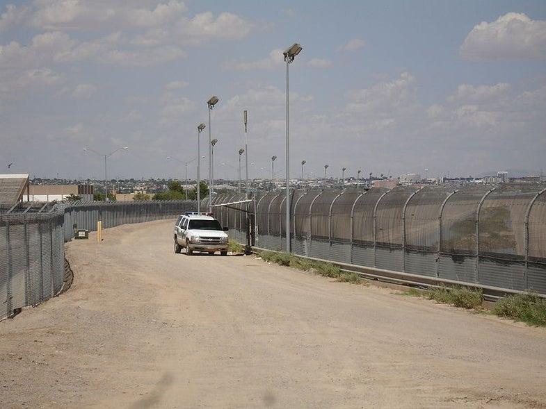 Texas Congressmen Call for Electromagnetic Pulse Guns on the Border