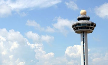 Automated Air Traffic Control System Enables Fewer Pilots, Flying Cars