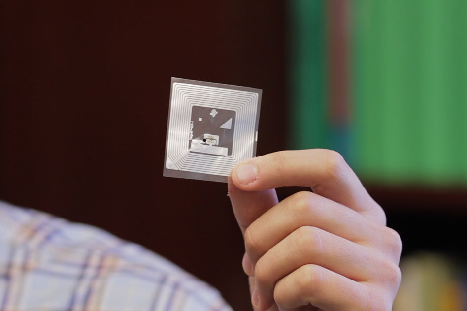 Miniature Aroma Sensors Put A Nose In Your Pocket