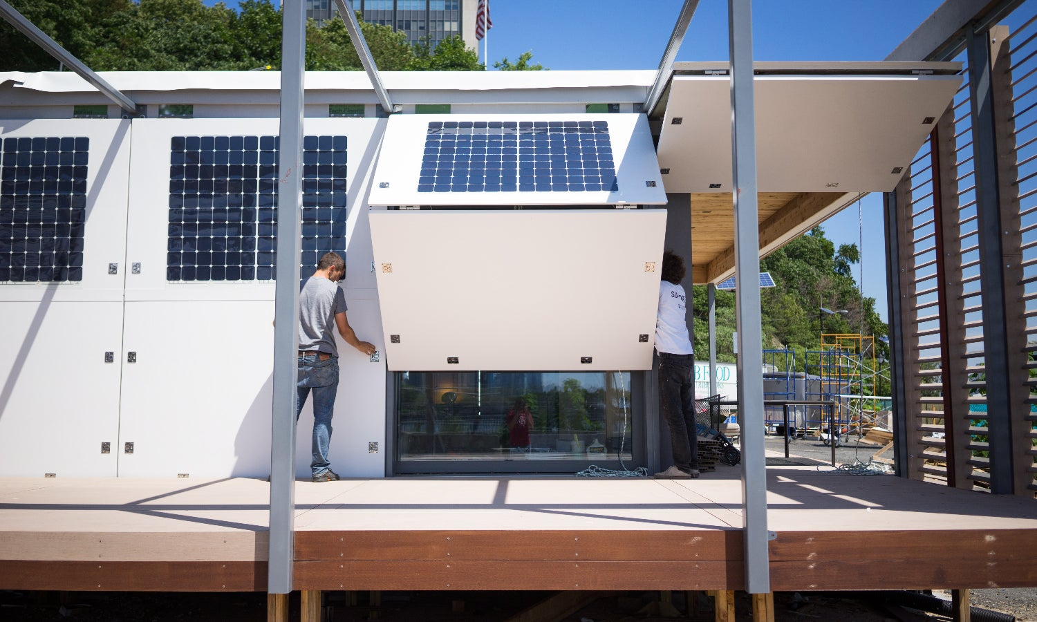 A Home Built to Minimize Energy Use and Maximize Storm Protection