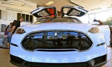 Autopiloted Tesla Car Crashes On Philadelphia Turnpike