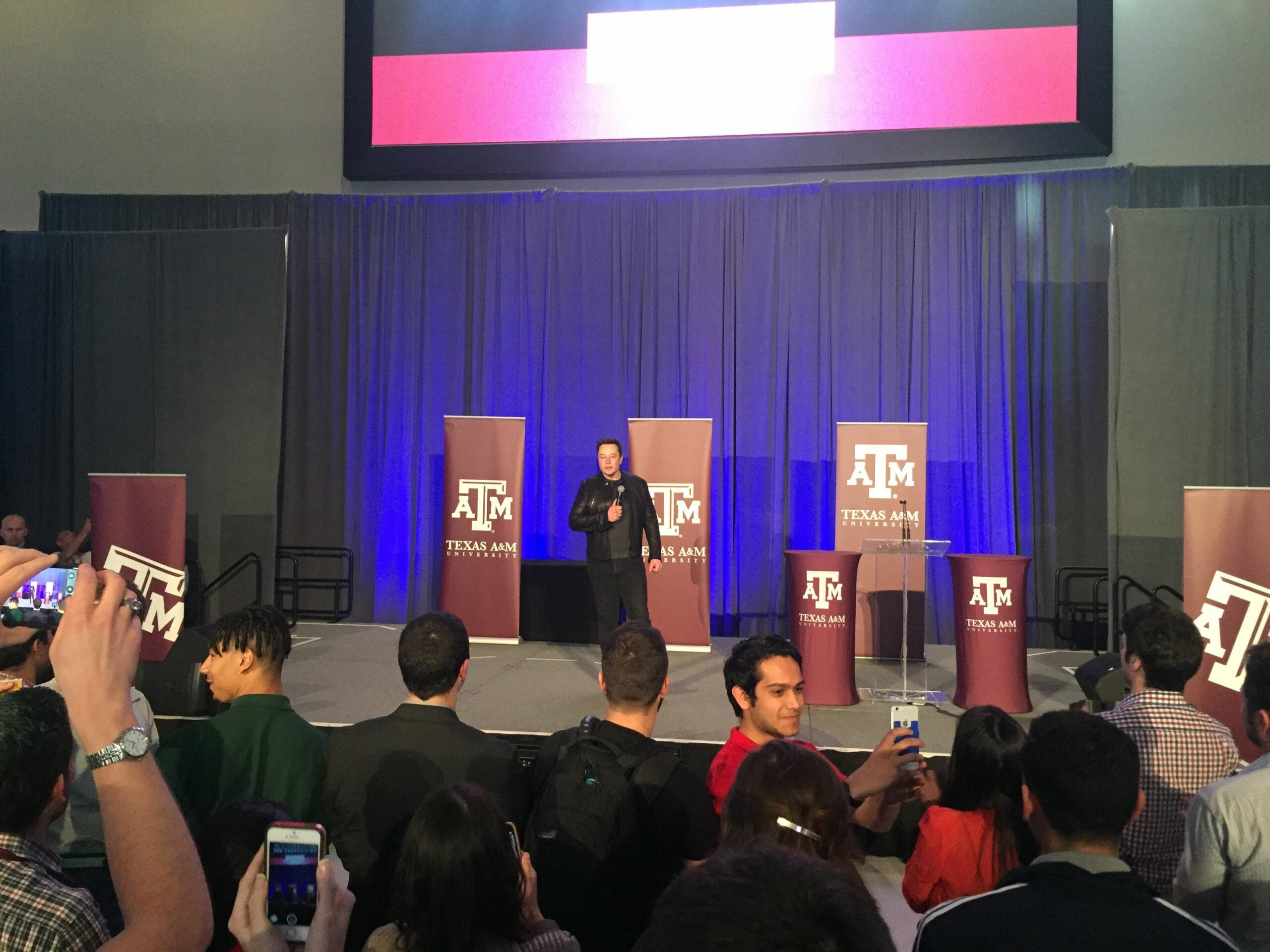 MIT Wins SpaceX's Hyperloop Pod Design Competition