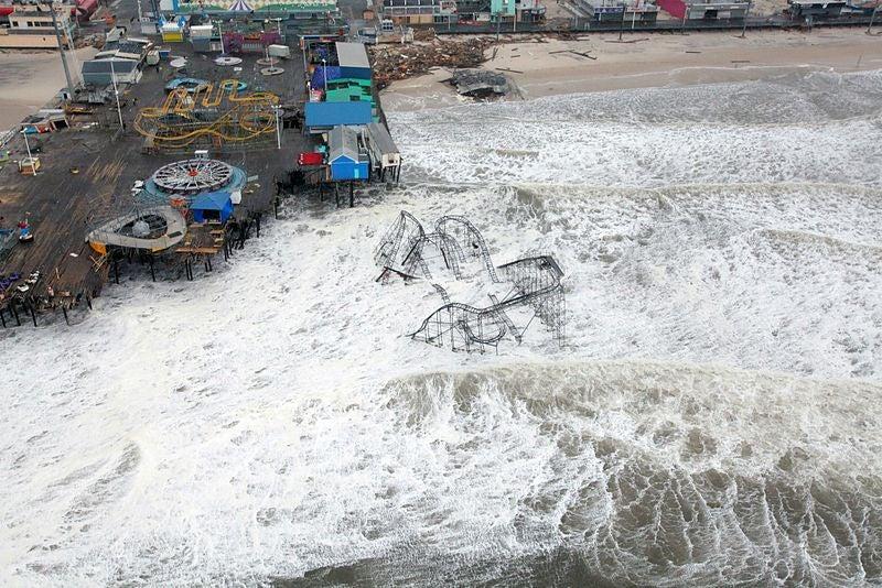 During Sandy, Flickr Uploads Mirrored Atmospheric Pressure
