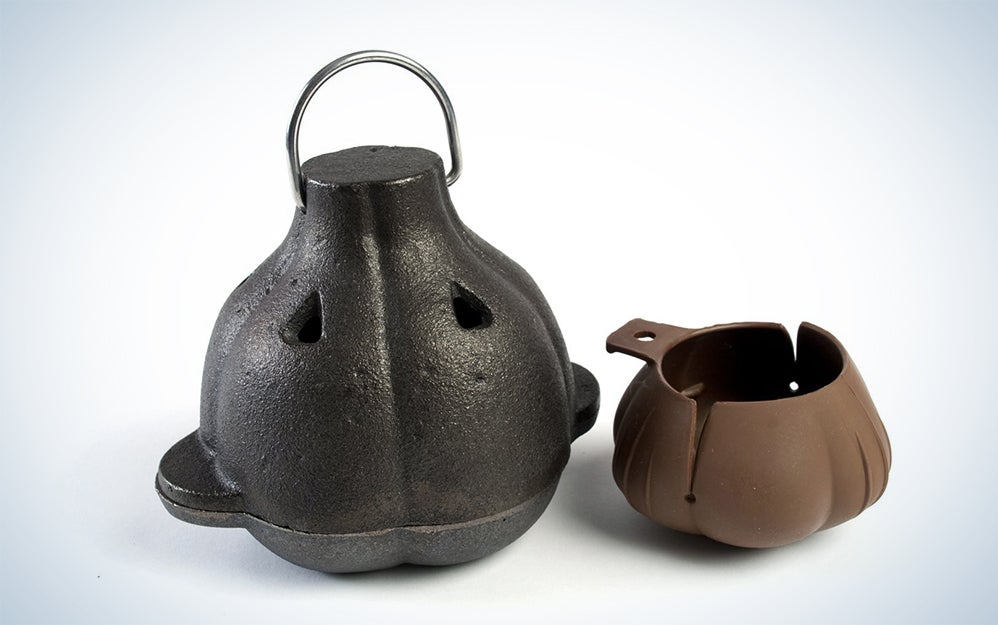 Charcoal Companion Cast Iron Garlic Roaster & Squeezer Set