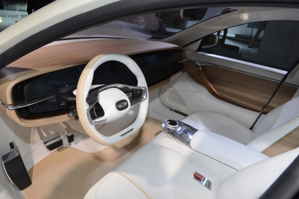 httpswww.popsci.comsitespopsci.comfilesimages201509thunder-power-sedan-concept-2015-frankfurt-auto-show_100528466_l.jpg