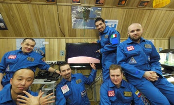 """Earth-Based Mars500 Crew Breaks Endurance Record For Longest """"Space"""" Mission"""
