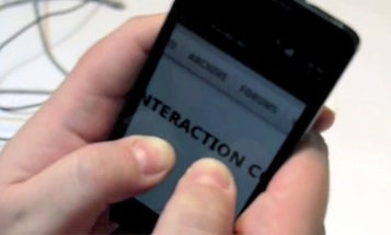 """Video: New Samsung Phone Replaces """"Pinch to Zoom"""" With Less Catchy """"Move Phone Closer to Your Face to Zoom"""""""