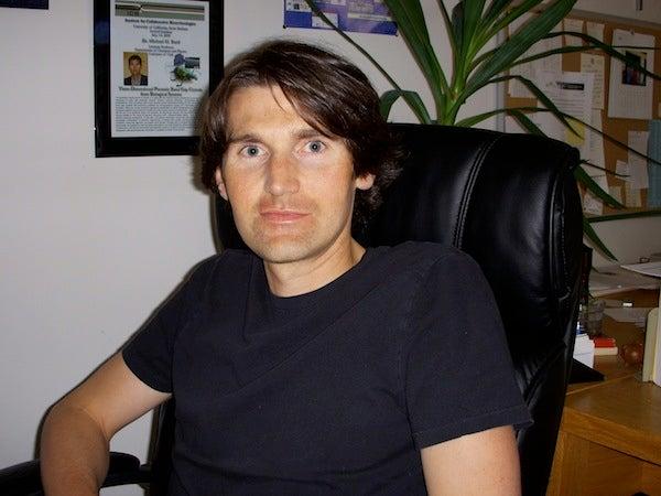 Brilliant 10: Michael Bartl, the Nano-Ranger