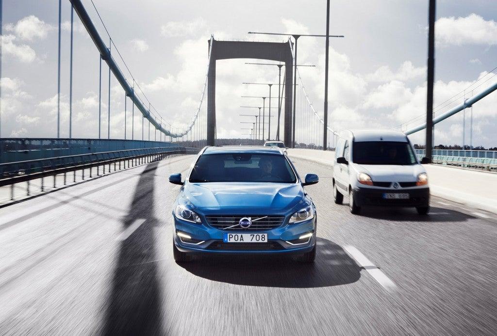 httpswww.popsci.comsitespopsci.comfilesimages201510volvo-drive-me-autonomous-car-pilot-project-in-gothenburg-sweden_100465414_l.jpg