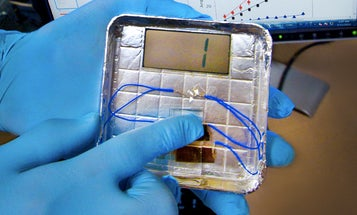 Video: New Finger-Tap Power Generator Uses Viruses to Make Electricity