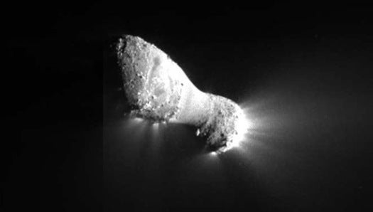 Deep Impact Probe Snaps Close-Up Images of Comet Hartley 2