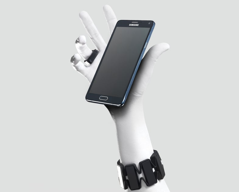 Control Your Smartphone With The Wave Of A Hand