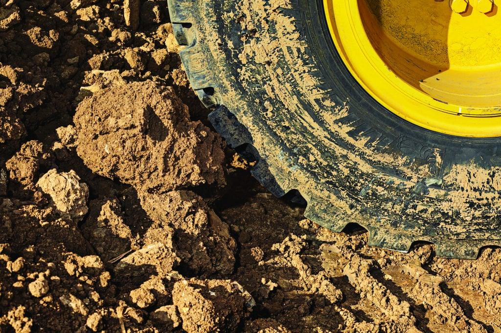 wheel loader tire