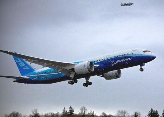 Boeing Dreamliner Delivered to First Customer