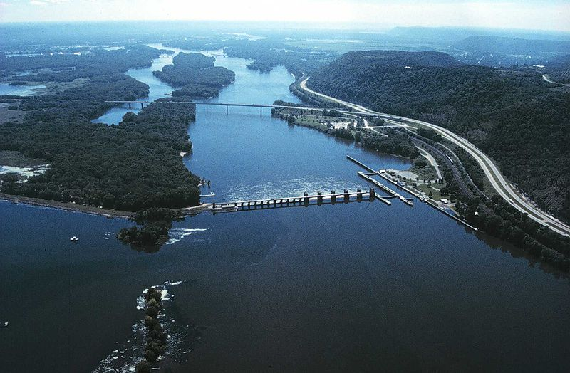 Mississippi River May Soon Be Unnavigable, Despite Army Geoengineers' Best Efforts