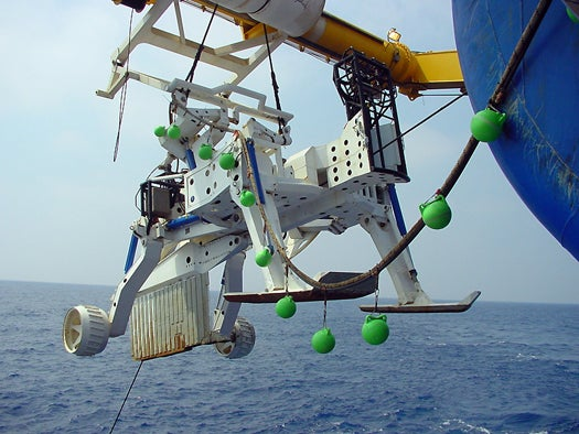 Urgent Action Needed to Secure Undersea Data Transmission, IEEE Report Says