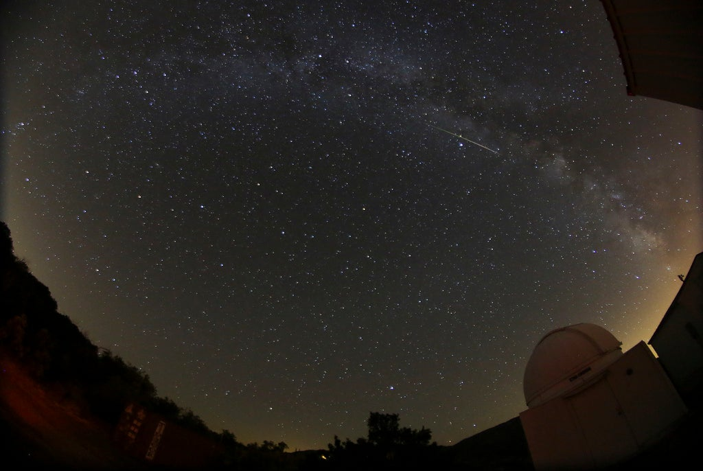 7 Awesome Photos Of The 2013 Perseid Meteor Shower