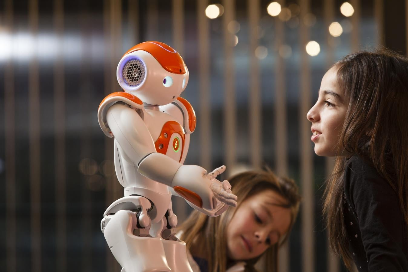 Robots Seem More Thoughtful If They Glance Away While They Talk