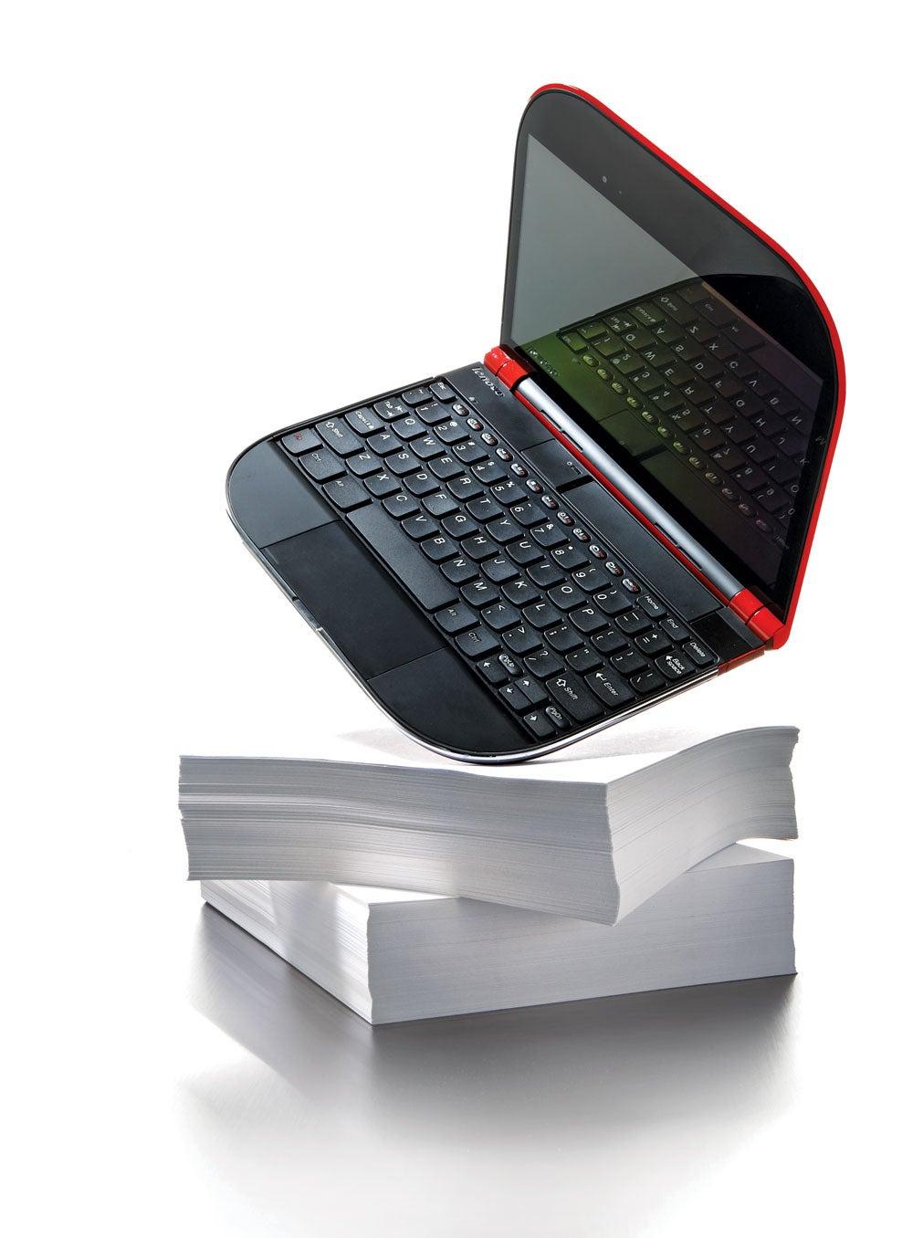 Lenovo Skylight Laptop Is a Phone At Heart