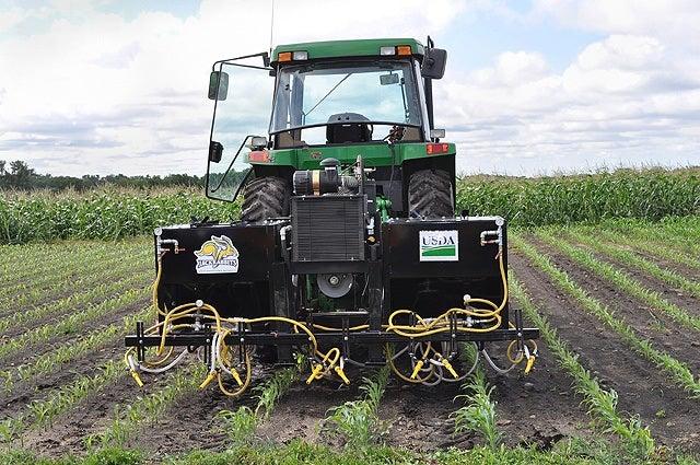 Abrasive Organic Herbicide Method Blasts Weeds To Death