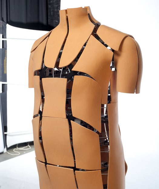 Video: Robotic Mannequin Mimics Your Shape, Showing How Online Purchases Will Fit