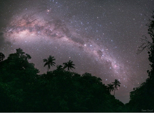 A Stunning Milky Way Captured from an Island Paradise