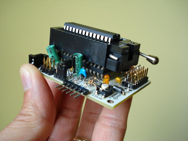 A Rapid AVR Prototype Programmer