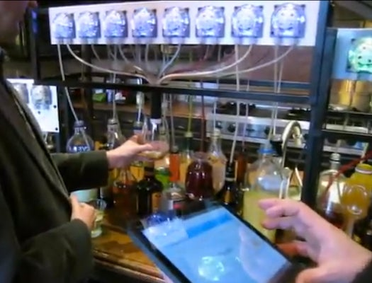 Watch This iPad-Controlled Robot Bartender Make A Perfect Cocktail
