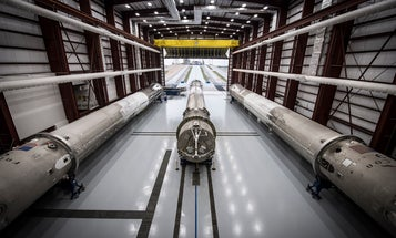 SpaceX's Reusable Rockets, Uber's First Self-Driving Car, and Other Amazing Images of the Week