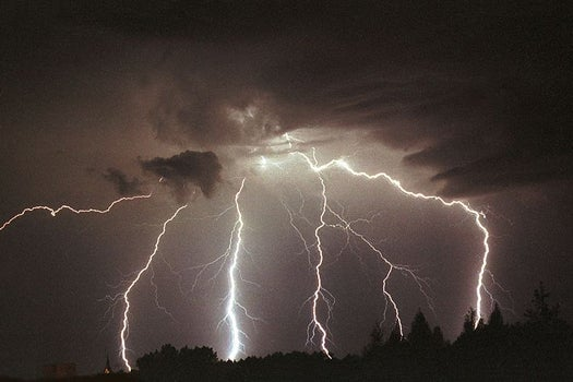 Watch A Terrifying, Beautiful Electrical Storm From A Plane Window