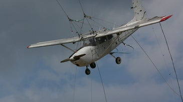 Cessna 172 About To Crash