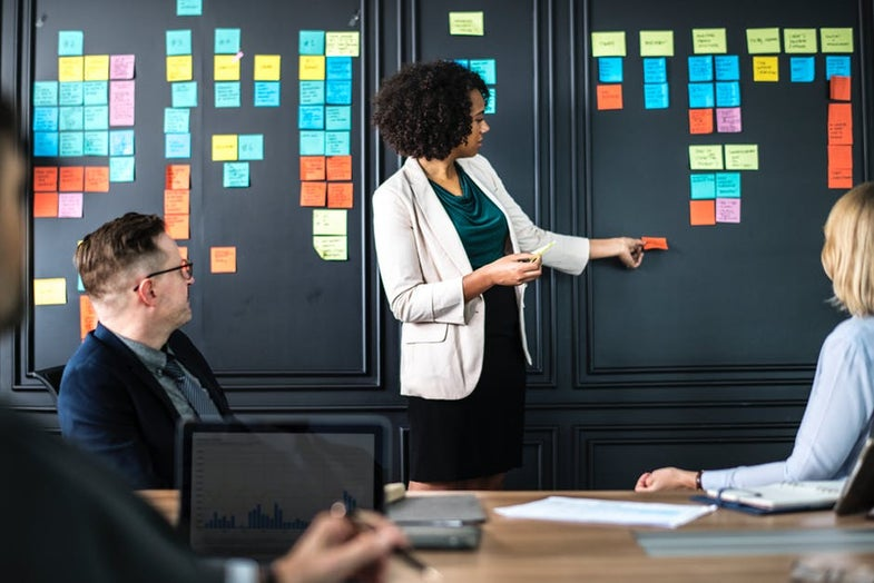 How to start a lucrative career in project management